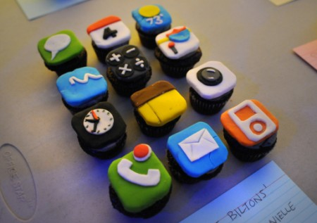 techcakes_iphone_07.jpg